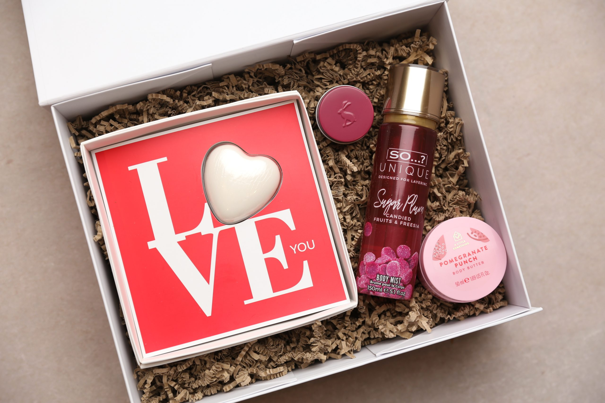 valentine's gifts, valentine's pamper gift box, gifts for her