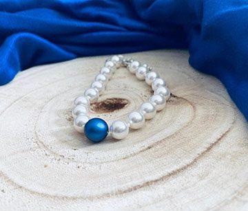Swarovski Iridescent Dark Blue pearl bracelet