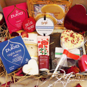 Anniversary Gift – De-stress Box – Pamper Letterbox Gift – Hug In A Box – Care Package – Birthday – Pamper Hamper – Bath Salts – Friend – Personalised