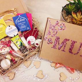 Mothers Day Hamper – Destress Box-Pamper- Gift – Hug In A Box – Care Package – Pamper Hamper – Bath Salts – Friend – Personalised